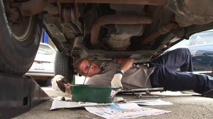motor-oil-car