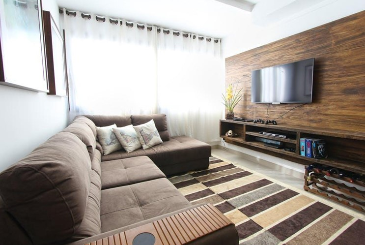 A DIY Guide to Your Own Smart Home Theater - WorthvieW