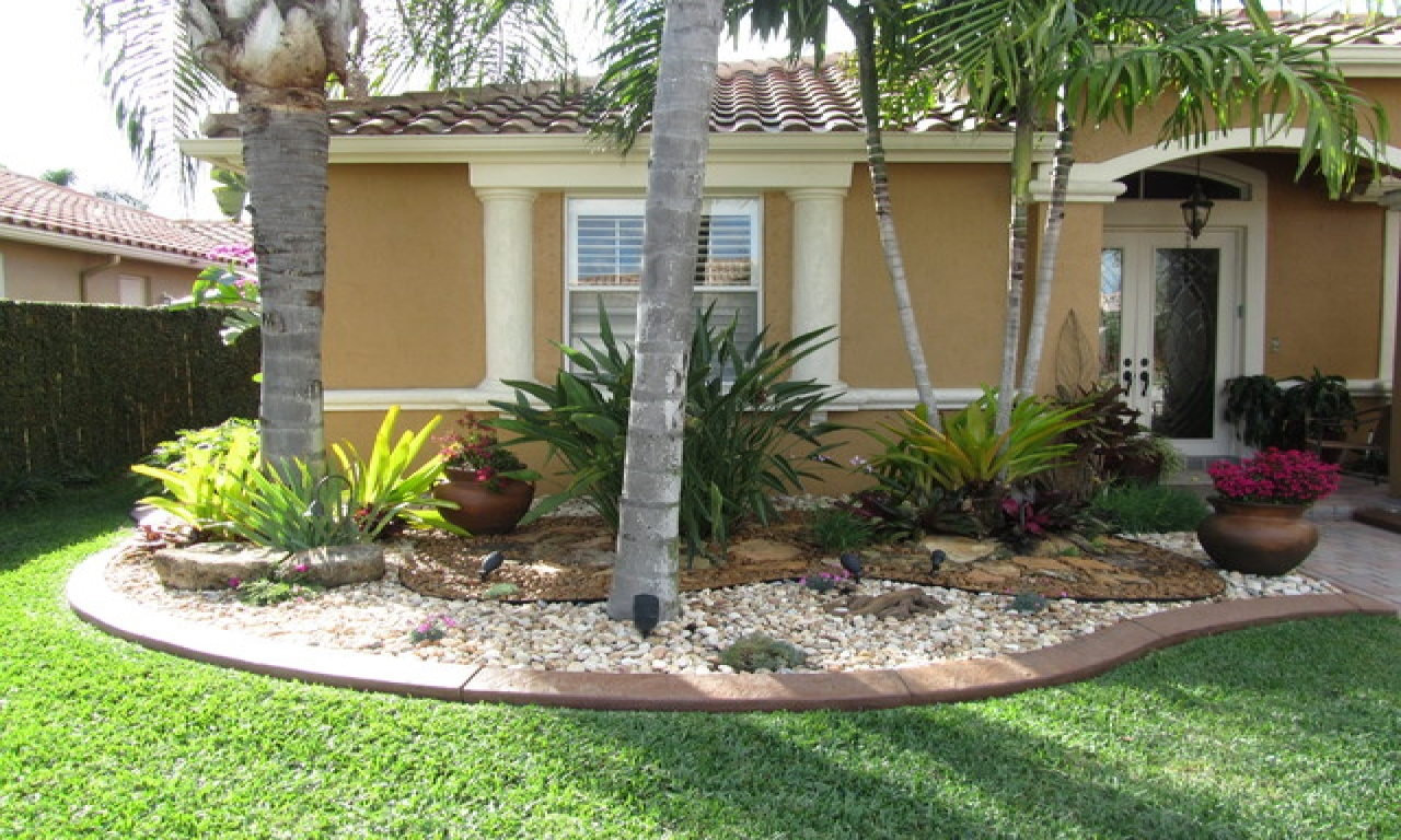 5 Stunning Landscaping Ideas For A Small Yard Worthview