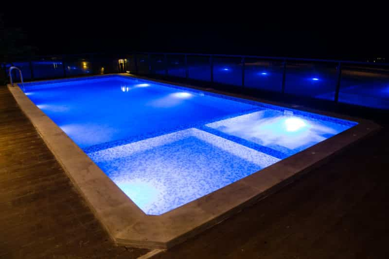 Types of Pool Lights and What to Choose - WorthvieW