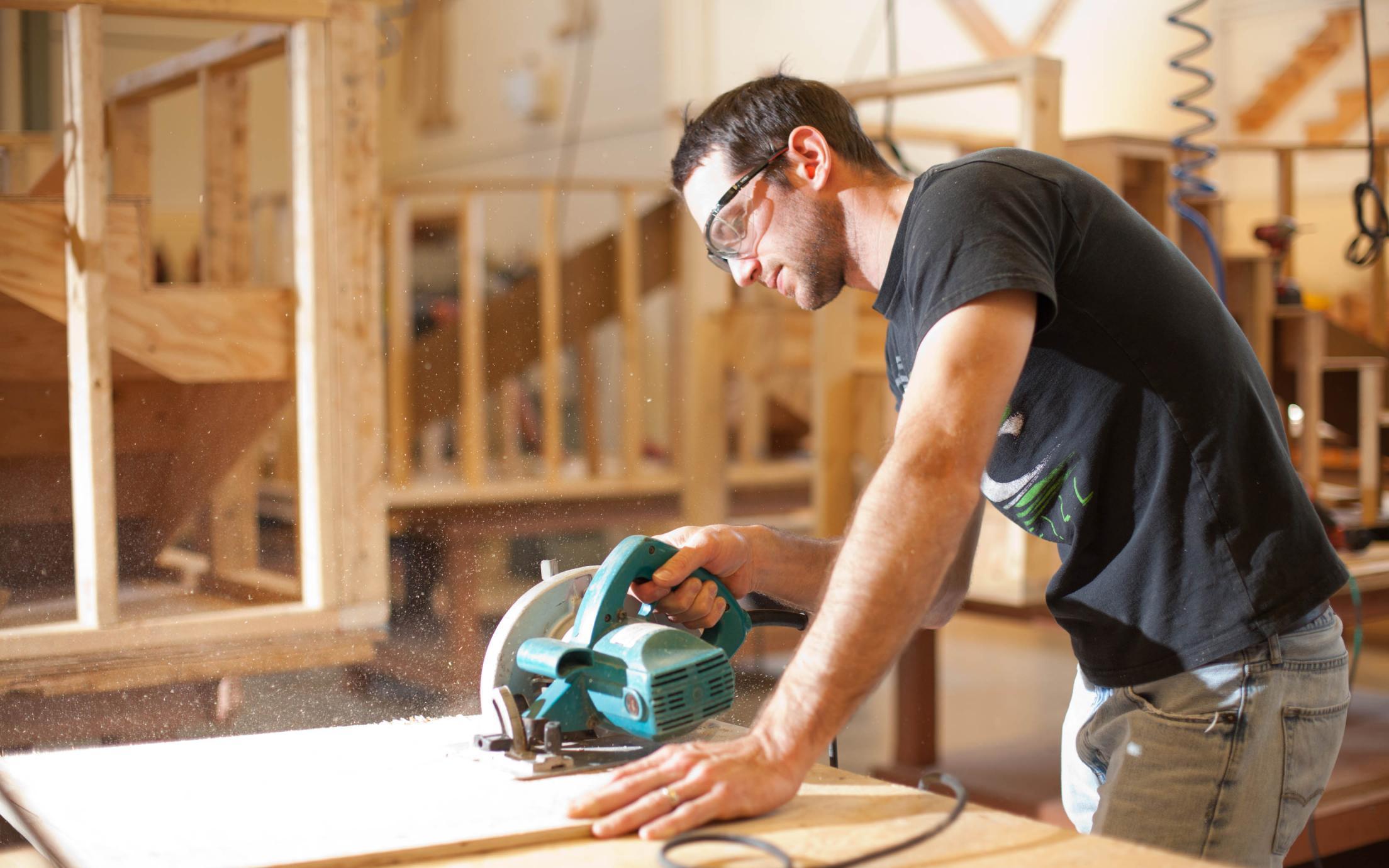 How Carpentry Job is Rewarding and Enjoyable? - WorthvieW